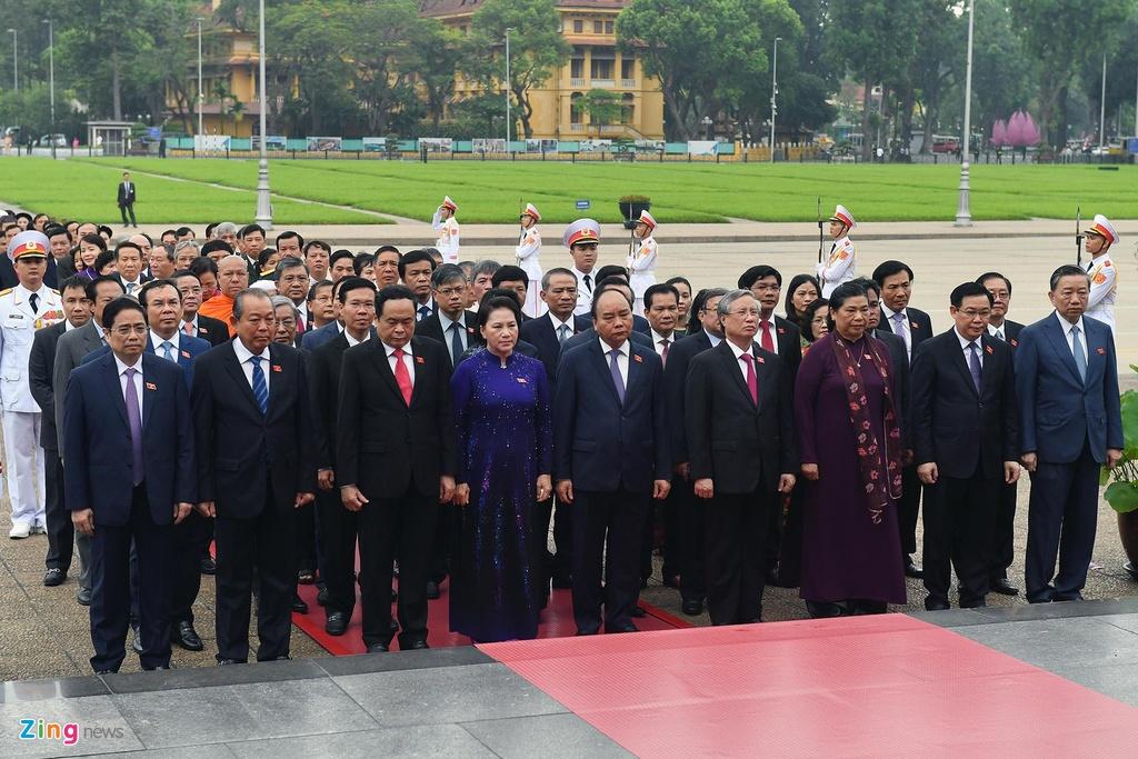 dai bieu Quoc hoi vieng lang Chu tich Ho Chi Minh anh 5