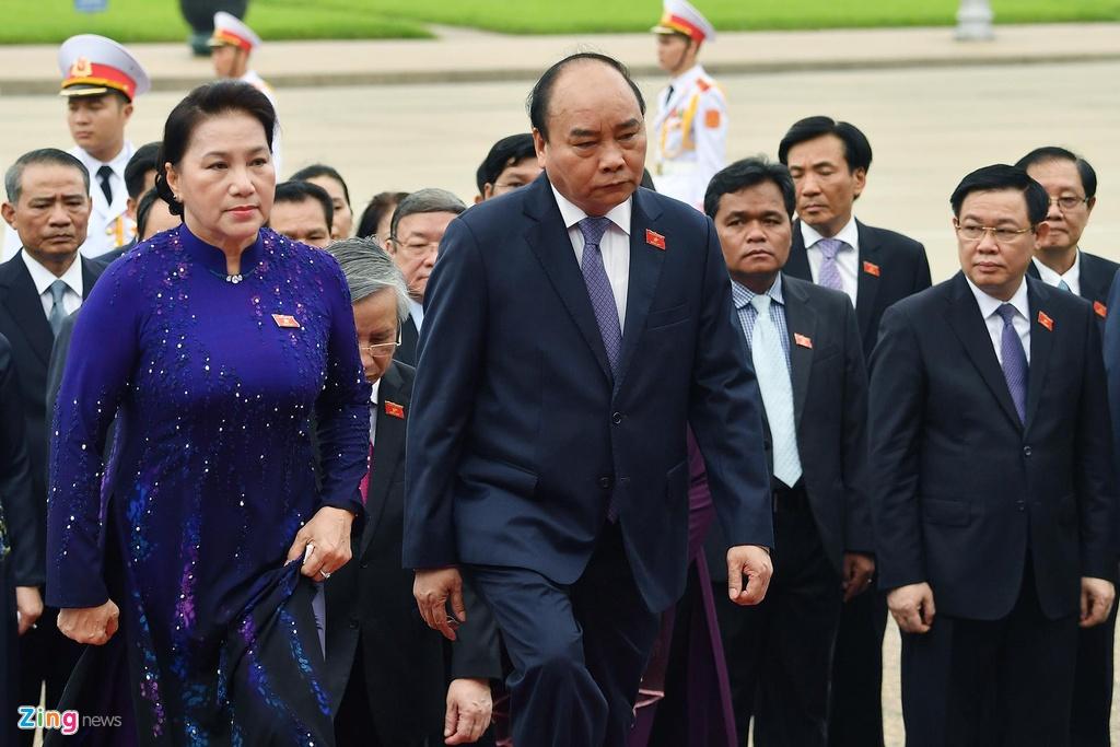 dai bieu Quoc hoi vieng lang Chu tich Ho Chi Minh anh 6