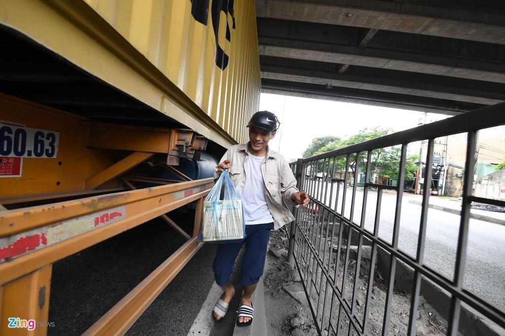 xe cho container tren duong Nguyen Van Linh o Hai Phong anh 15