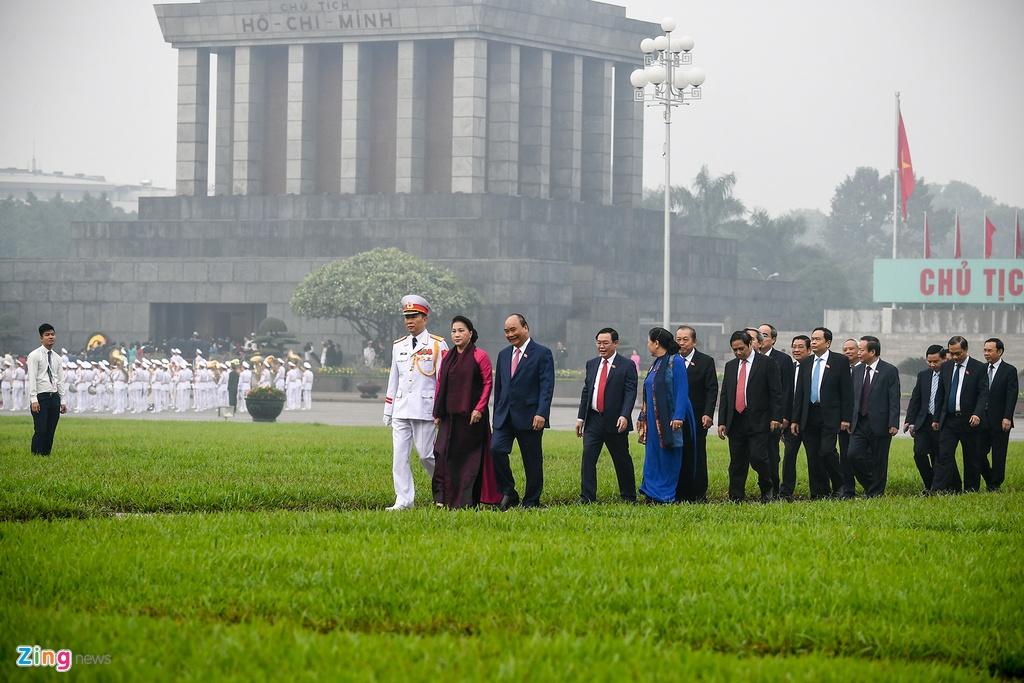 Dai bieu vieng Chu tich Ho Chi Minh ngay khai mac ky hop Quoc hoi hinh anh 4