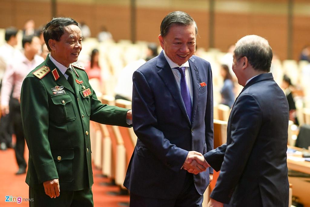 Dai bieu vieng Chu tich Ho Chi Minh ngay khai mac ky hop Quoc hoi hinh anh 11
