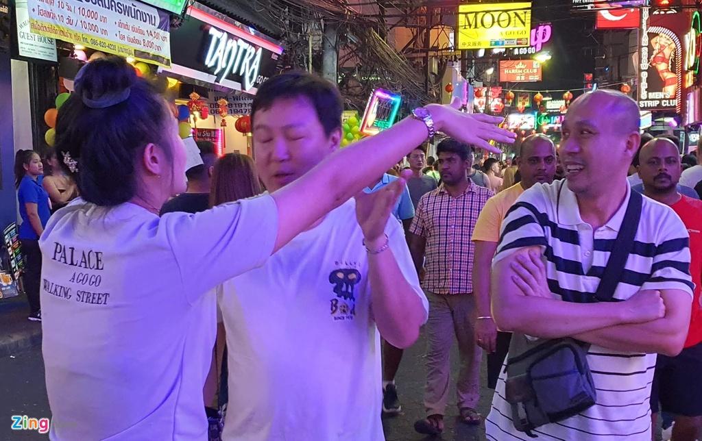 Can canh tu diem an choi bac nhat Thai Lan sau 0h hinh anh 13 sexshow_zing_13_.jpg