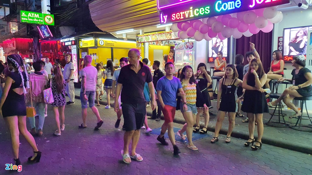 Can canh tu diem an choi bac nhat Thai Lan sau 0h hinh anh 4 sexshow_zing_8_.jpg