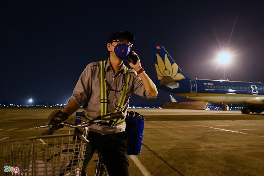 May bay Viet chen nhau tai bai do san bay Noi Bai hinh anh 10 san_bay_zing12.jpg