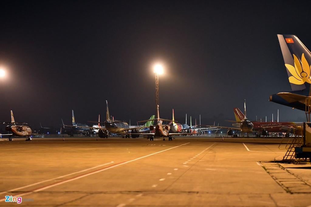 May bay Viet chen nhau tai bai do san bay Noi Bai hinh anh 1 san_bay_zing2.jpg  Máy bay Việt chen nhau tại bãi đỗ sân bay Nội Bài san bay zing2