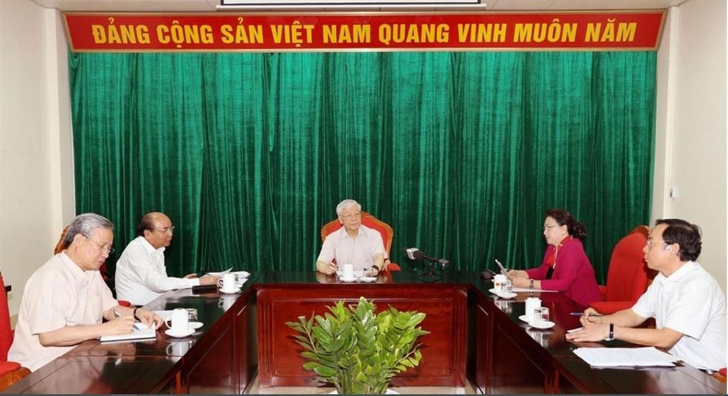 Tong bi thu Nguyen Phu Trong,  Hop lanh dao chu chot anh 1