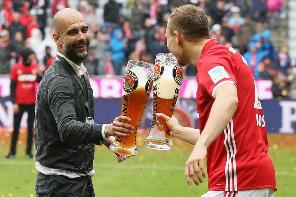 Bayern duoi bat va tam bia trong ngay nhan dia bac hinh anh 8