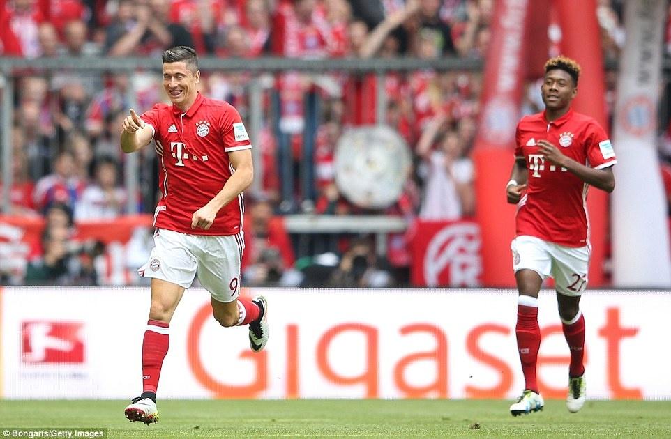 Bayern duoi bat va tam bia trong ngay nhan dia bac hinh anh 12