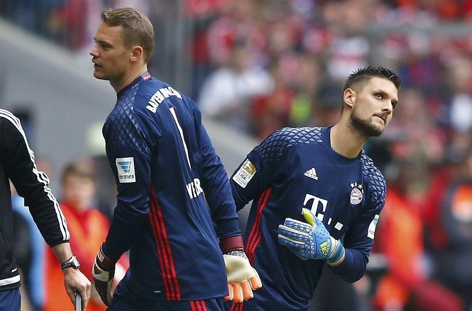 Bayern duoi bat va tam bia trong ngay nhan dia bac hinh anh 17