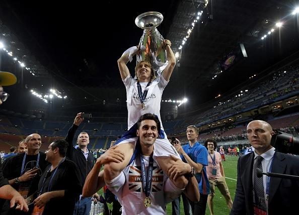 Ronaldo lai khoe co bap, Ramos cat luoi mung vo dich hinh anh 18