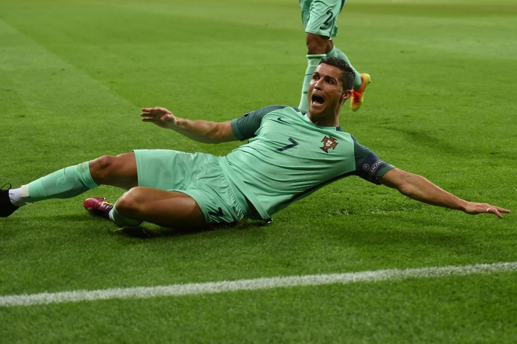 Ronaldo - Chuyen gia pha ky luc tai Euro 2016 hinh anh 7