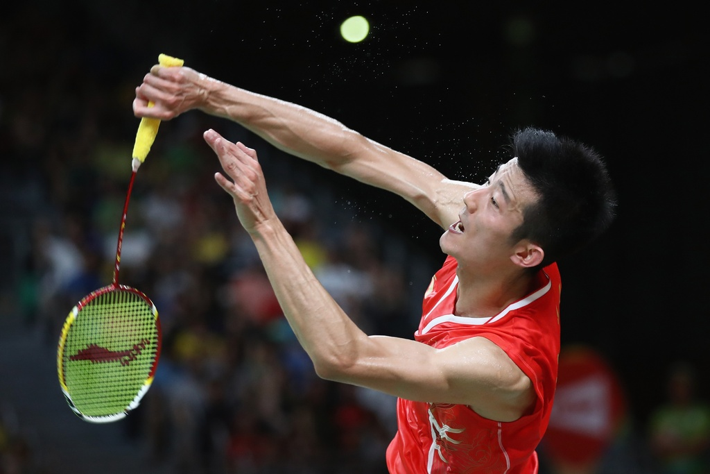Chen Long khoc nuc no, nem vot tang CDV Trung Quoc hinh anh 2