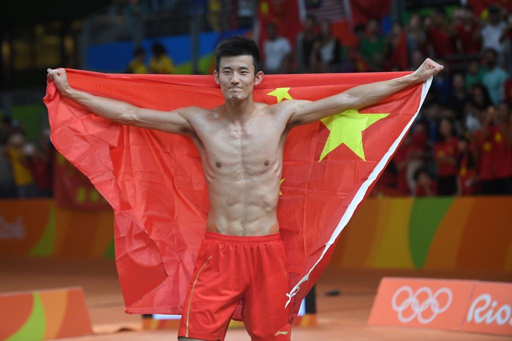 Chen Long khoc nuc no, nem vot tang CDV Trung Quoc hinh anh 10