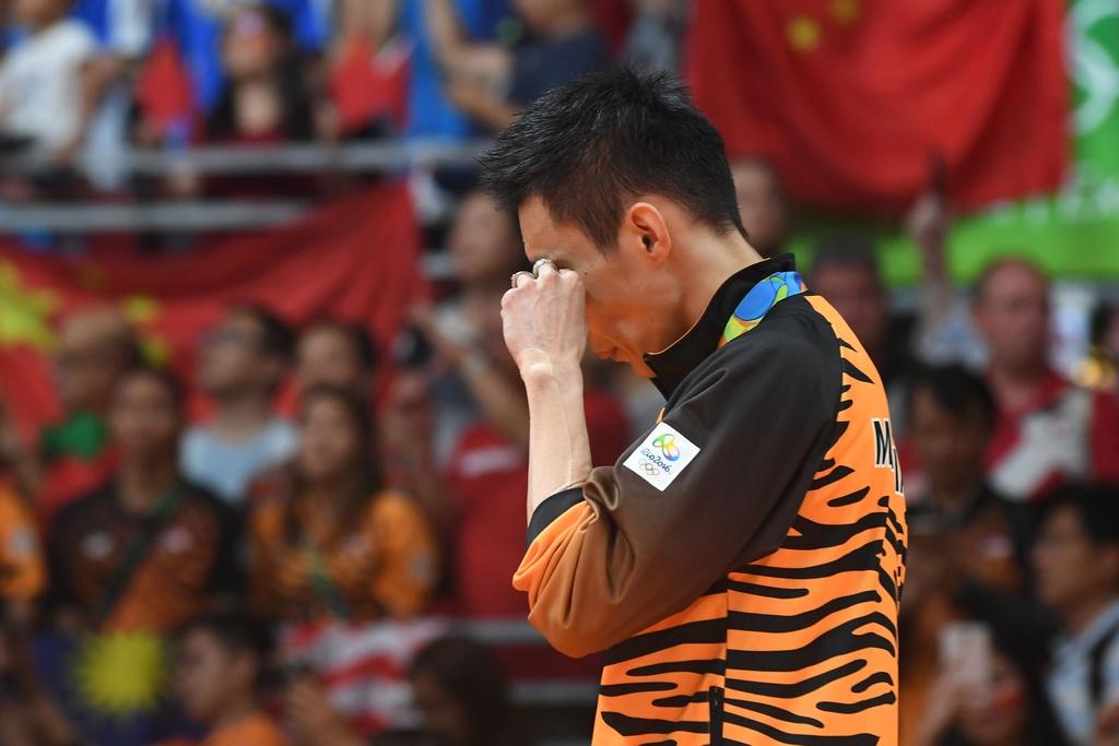 Chen Long khoc nuc no, nem vot tang CDV Trung Quoc hinh anh 14