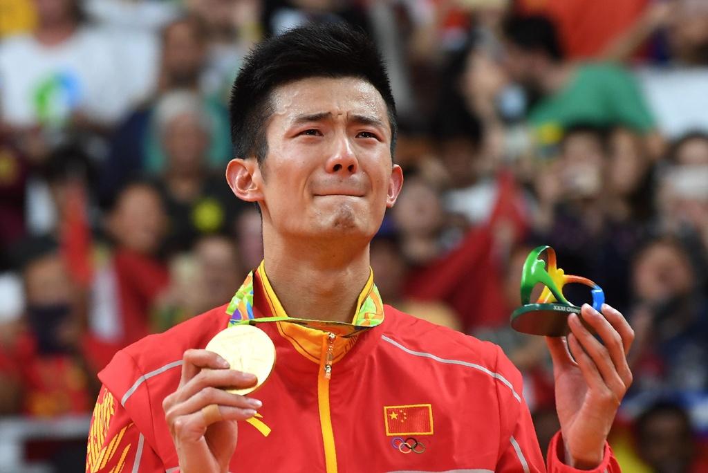 Chen Long khoc nuc no, nem vot tang CDV Trung Quoc hinh anh 13