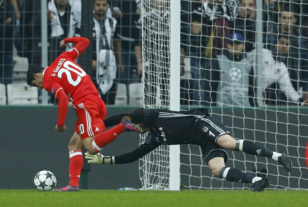 Tran Besiktas vs Benfica anh 3