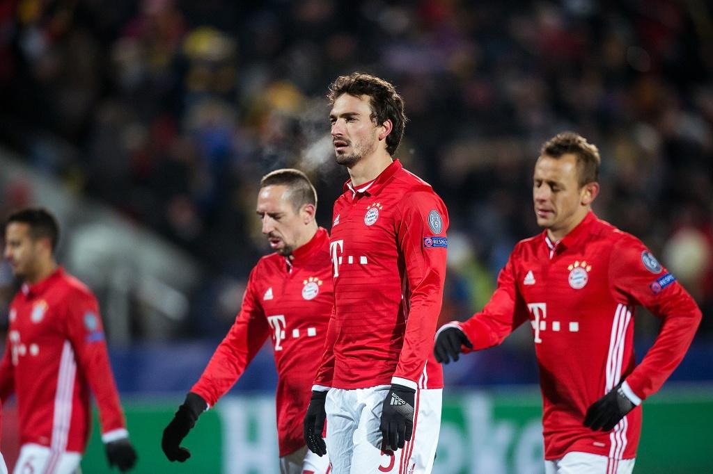 Guc nga truoc doi bong yeu, Bayern chap nhan ngoi nhi bang hinh anh 14
