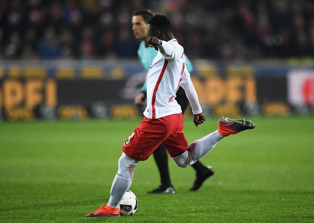Doi bi ghet nhat nuoc Duc cung co vi tri so 1 Bundesliga hinh anh 2