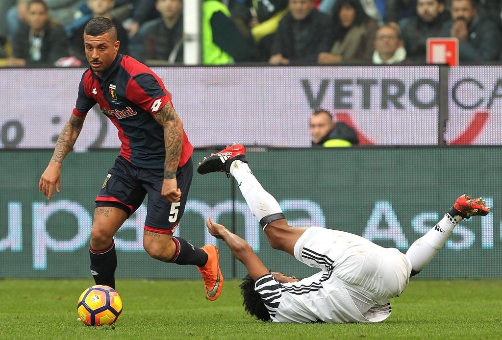 Tran Genoa vs Juventus anh 1