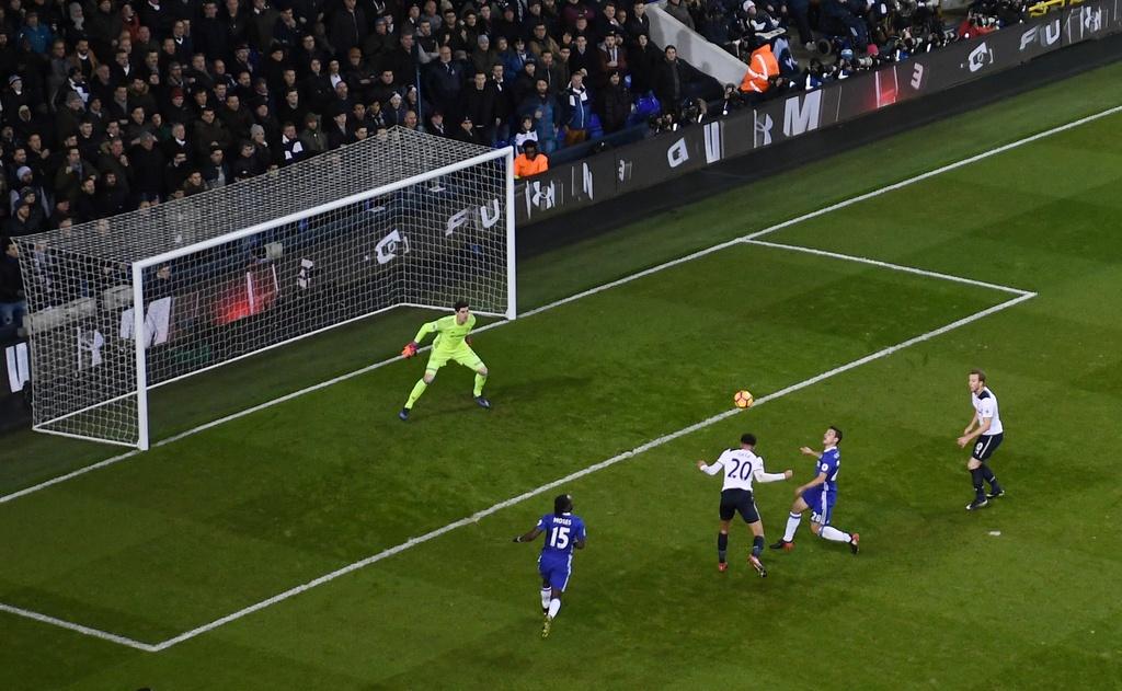 Thua Tottenham 0-2, Chelsea dut mach thang lien tiep hinh anh 4