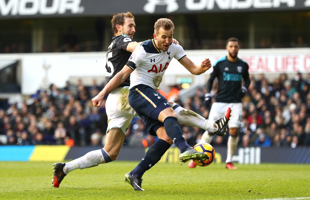 Kane ghi 3 ban, Tottenham tam chiem ngoi nhi cua Liverpool hinh anh 7