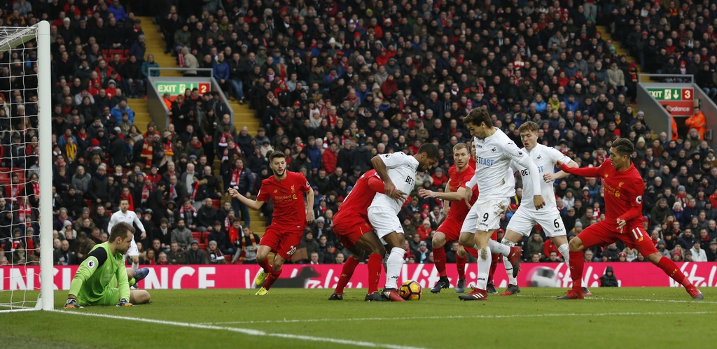 Tran Liverpool vs Swansea anh 5