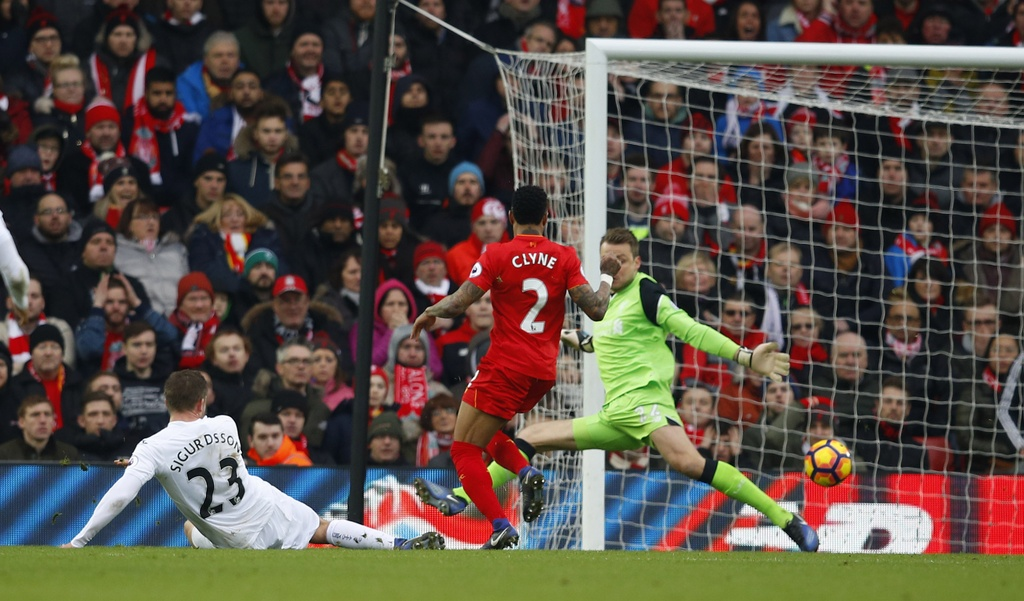 Tran Liverpool vs Swansea anh 10