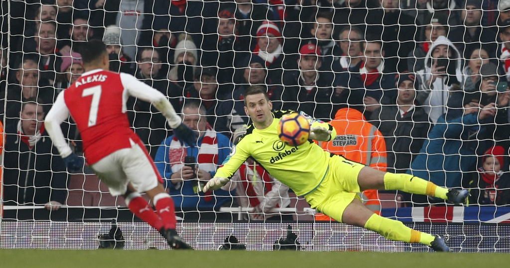 Arsenal thang nghet tho trong tran cau kich tinh hinh anh 13