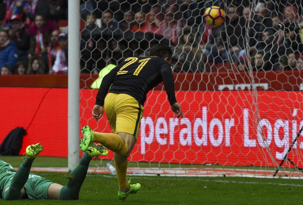 Tran Gijon vs Atletico Madrid anh 3