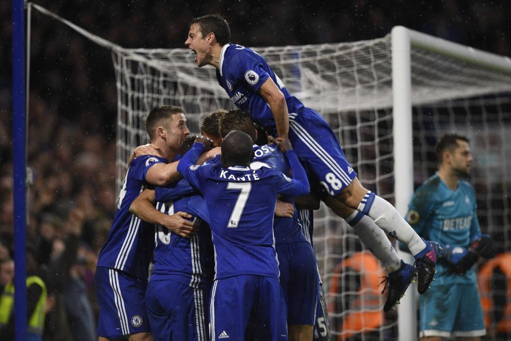 tran Chelsea vs Swansea anh 12