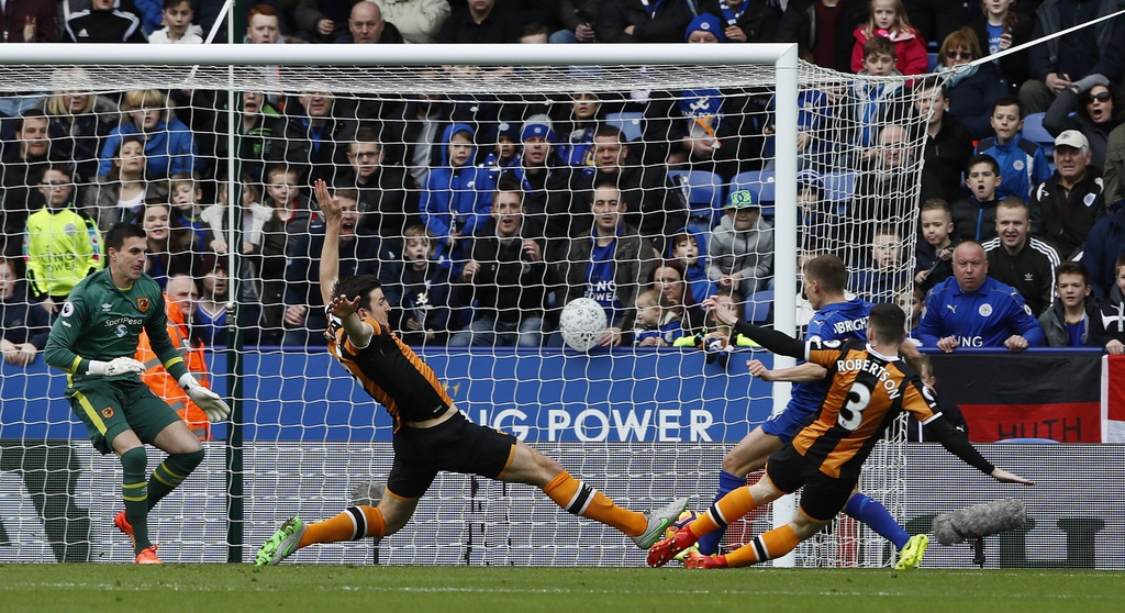 tran Leicester vs Hull City anh 2