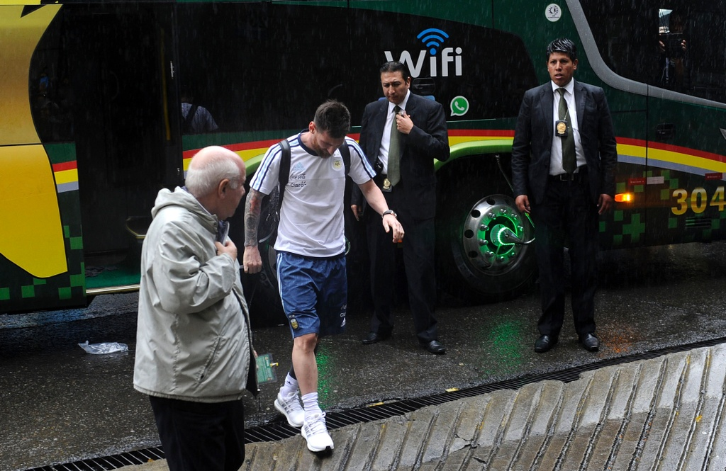 Argentina that bai ngay sau khi Messi bi cam thi dau hinh anh 1