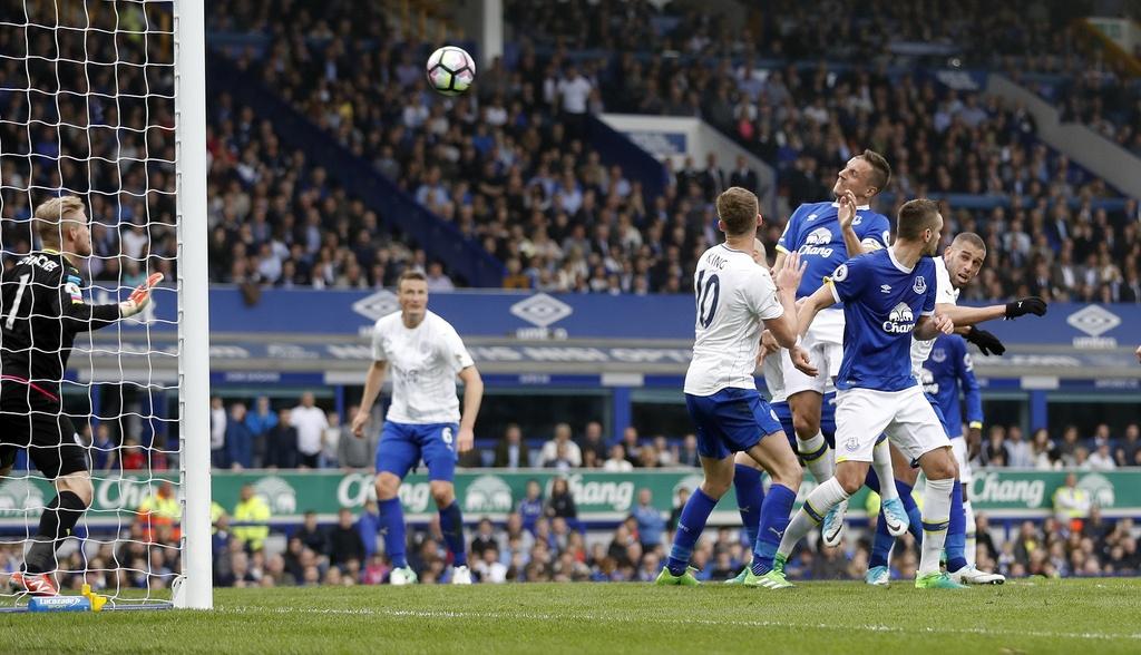 tran Everton vs Leicester City anh 9