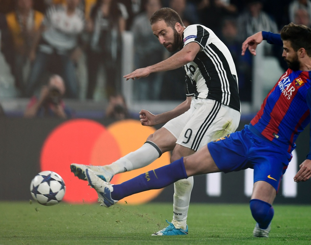 Tran Juventus vs Barcelona anh 10