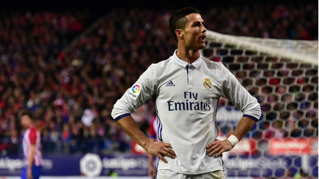 20 ky luc vi dai ma Ronaldo dang nam giu hinh anh 1