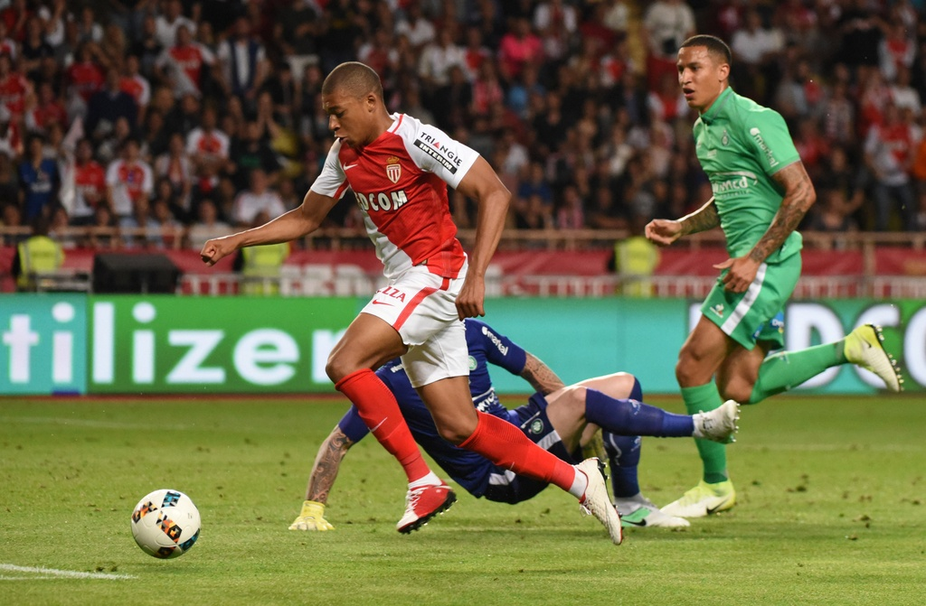 Falcao nang cup, Monaco vo dich Ligue 1 sau 17 nam cho doi hinh anh 1