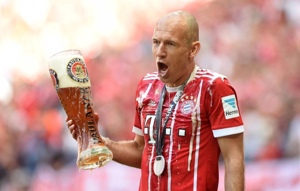 Ancelotti tuoi bia len dau cac hoc tro hinh anh 8