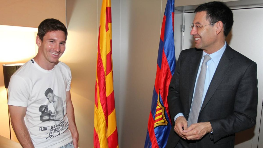 9 lan Messi ky hop dong voi Barca sau hon 12 nam hinh anh 8