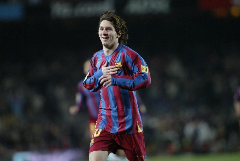 8 ban hop dong Messi da ky voi Barca anh 2