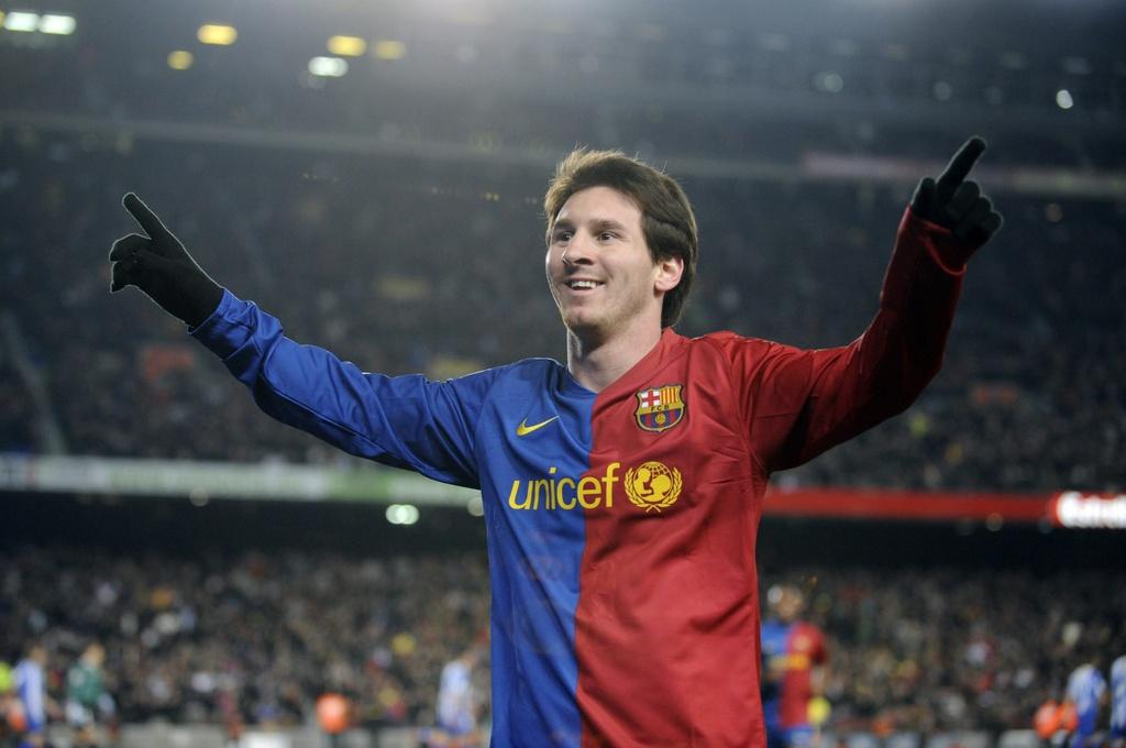 9 lan Messi ky hop dong voi Barca sau hon 12 nam hinh anh 5