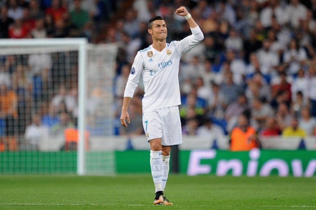 Messi vang mat, Fellaini lot vao doi hinh tieu bieu Champions League hinh anh 13