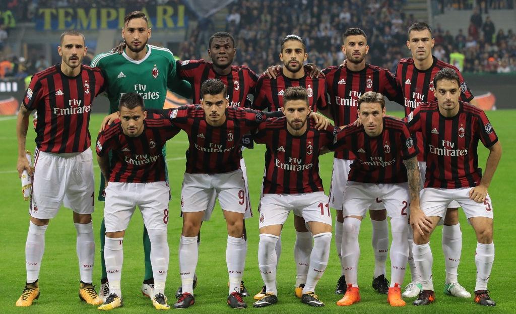 'Dan em' Messi lap hat-trick giup Inter thang derby Milan hinh anh 1