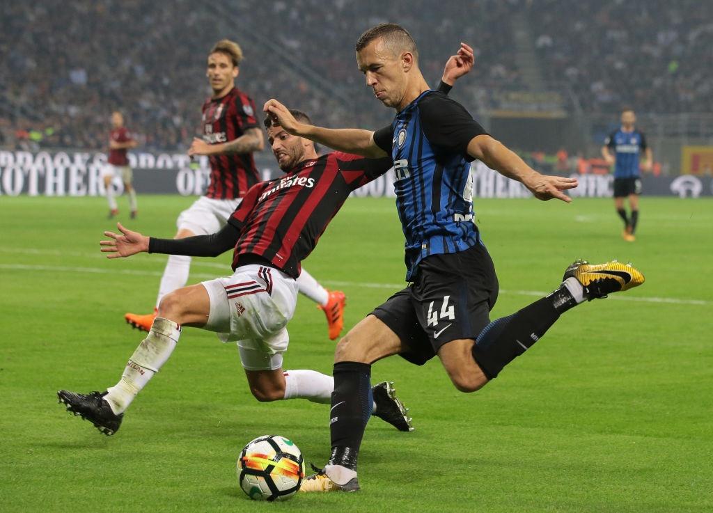 'Dan em' Messi lap hat-trick giup Inter thang derby Milan hinh anh 6
