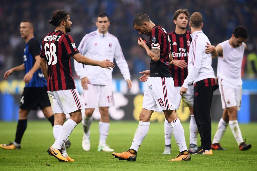 'Dan em' Messi lap hat-trick giup Inter thang derby Milan hinh anh 14