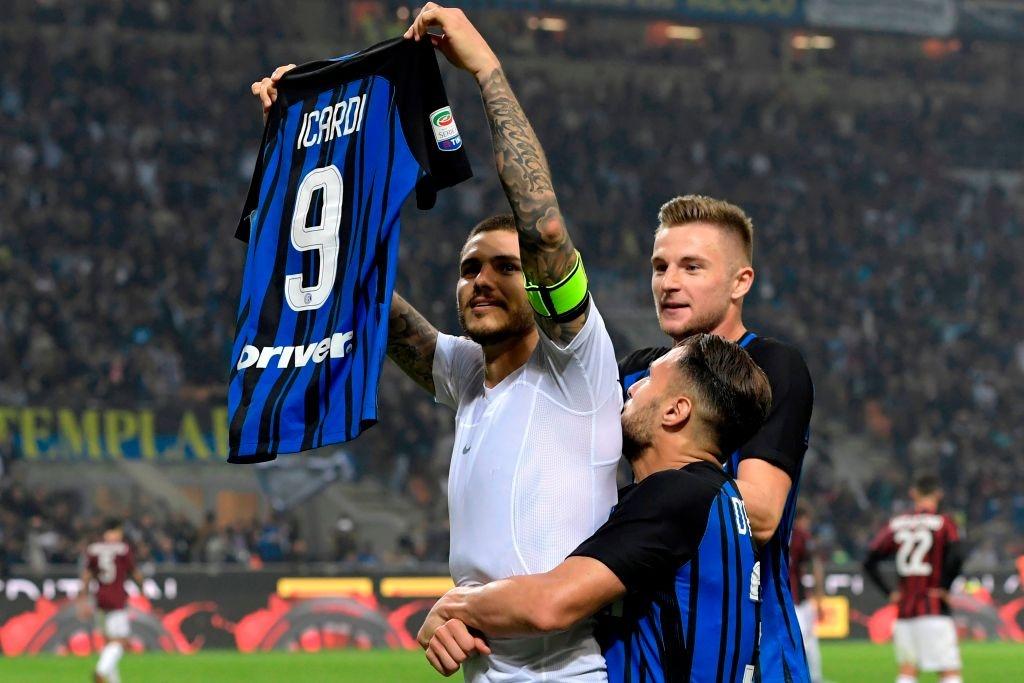 'Dan em' Messi lap hat-trick giup Inter thang derby Milan hinh anh 11
