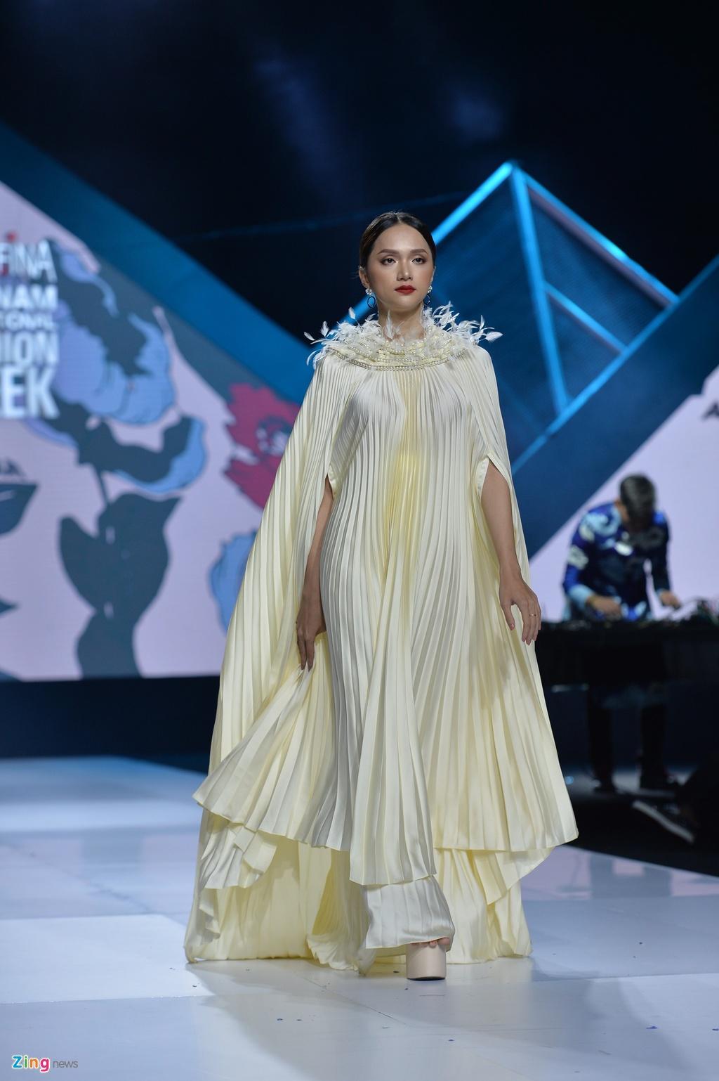 Aquafina Vietnam International Fashion Week 2019 anh 45