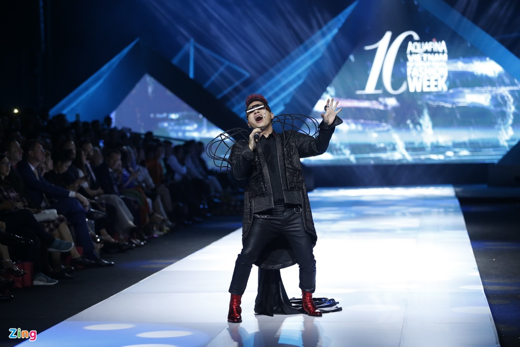 Aquafina Vietnam International Fashion Week 2019 anh 1