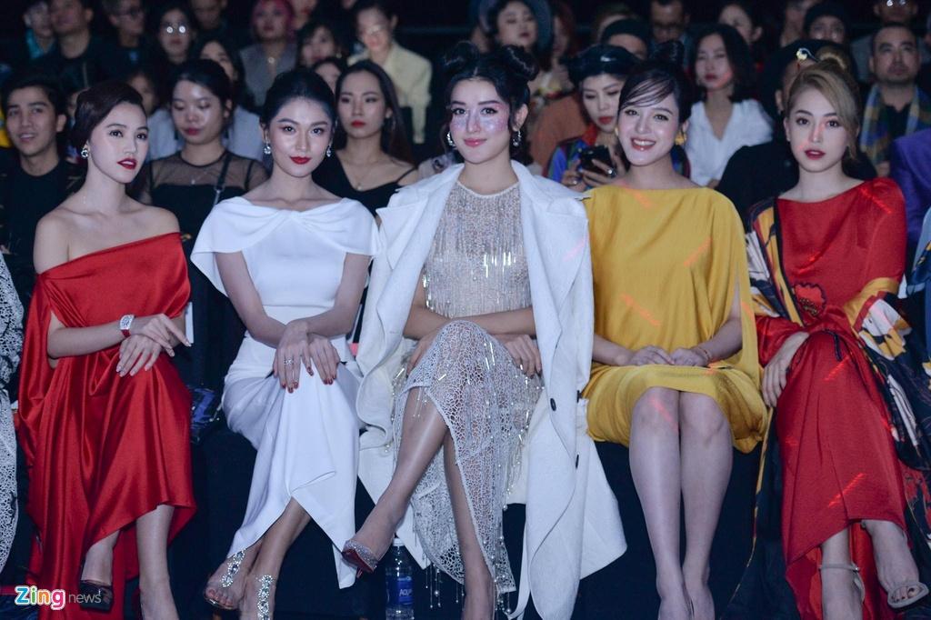 Aquafina Vietnam International Fashion Week 2019 anh 2