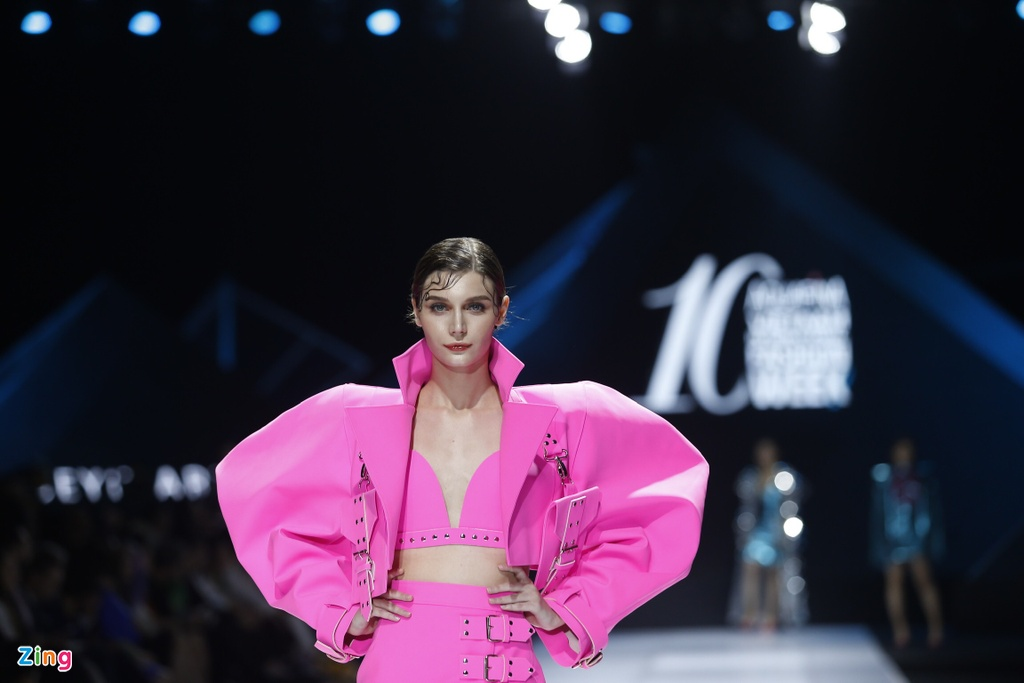 Aquafina Vietnam International Fashion Week 2019 anh 17