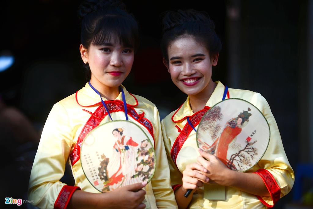 Nhung 'nang tho' noi bat trong Tet Nguyen tieu o Sai Gon hinh anh 11